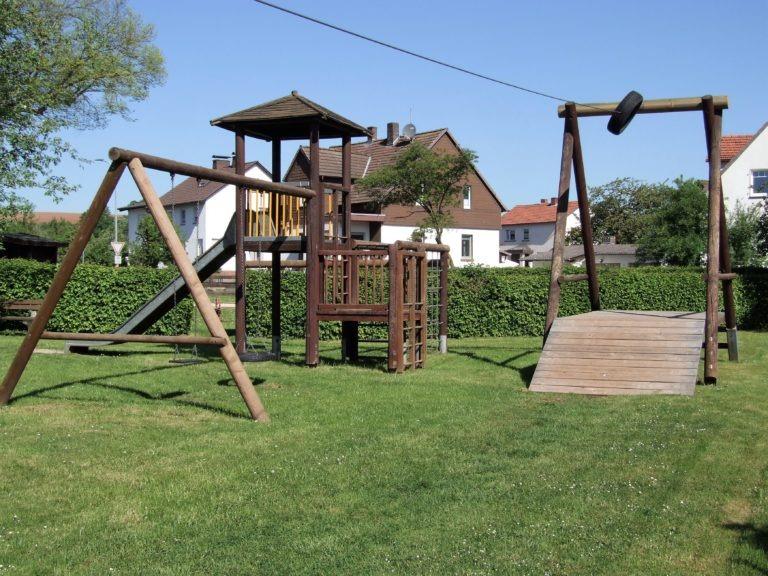 Der Kinderspielplatz am Dorfgemeinschaftshaus. (Foto: Uli Klein)