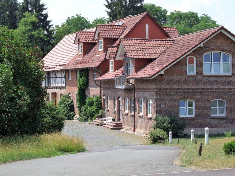 Wohnhaus und Zahnarztpraxis in der Schlossstraße. (Foto: Uli Klein)