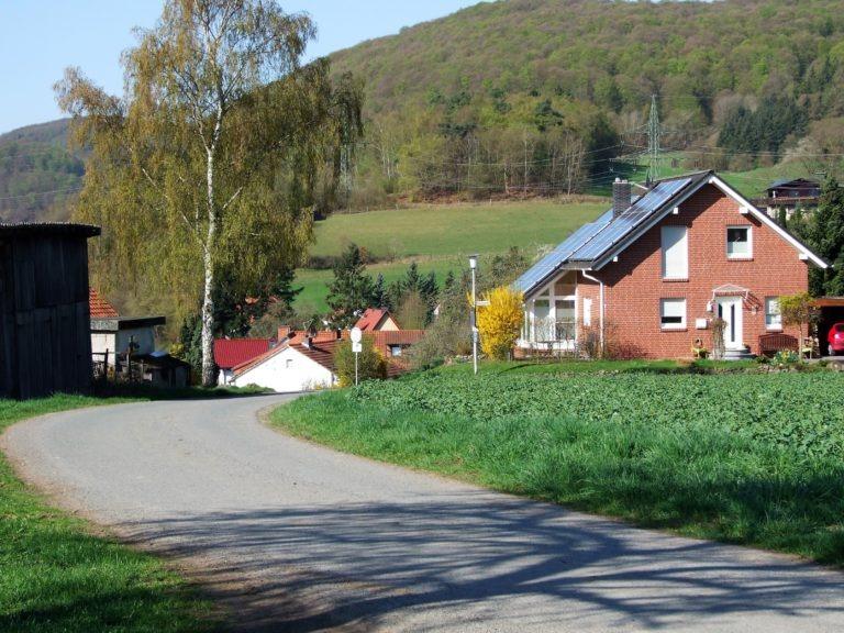 Frühlingserwachen im Dorf. (Foto: Uli Klein)