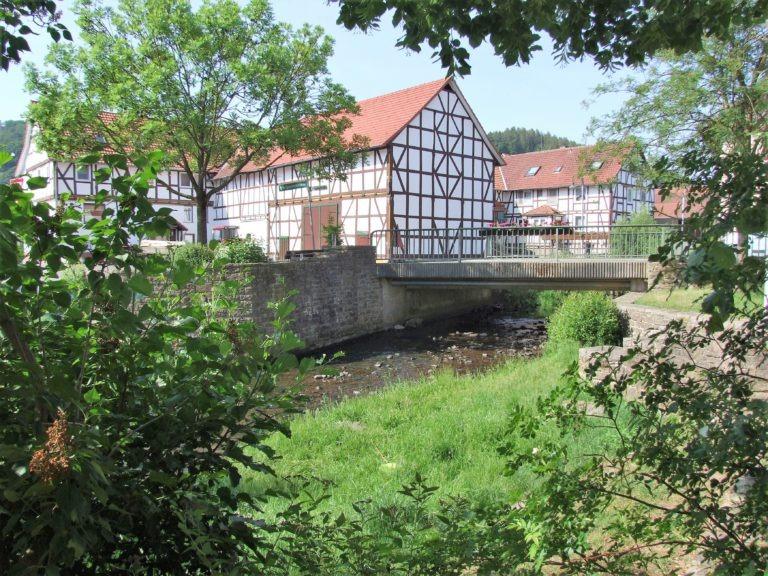 Sanierte Fachwerkhäuser am Wesebach. (Foto: Uli Klein)