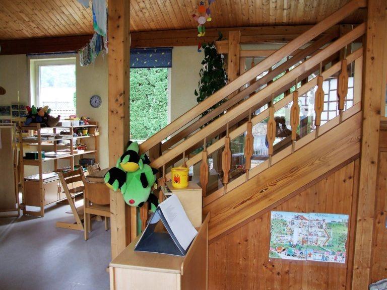 Im Gruppenraum findet die pädagogische Hauptarbeit statt, ein weiterer Aktivitätenraum wird dafür genutzt, um Kleingruppen wie angehende Schulkinder gesondert zu fördern. (Foto: Uli Klein)