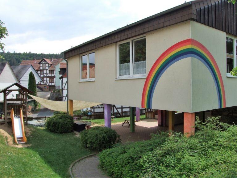 "Die Kita Hemfurth-Edersee ""Unter dem Regenbogen"". (Foto: Uli Klein)"