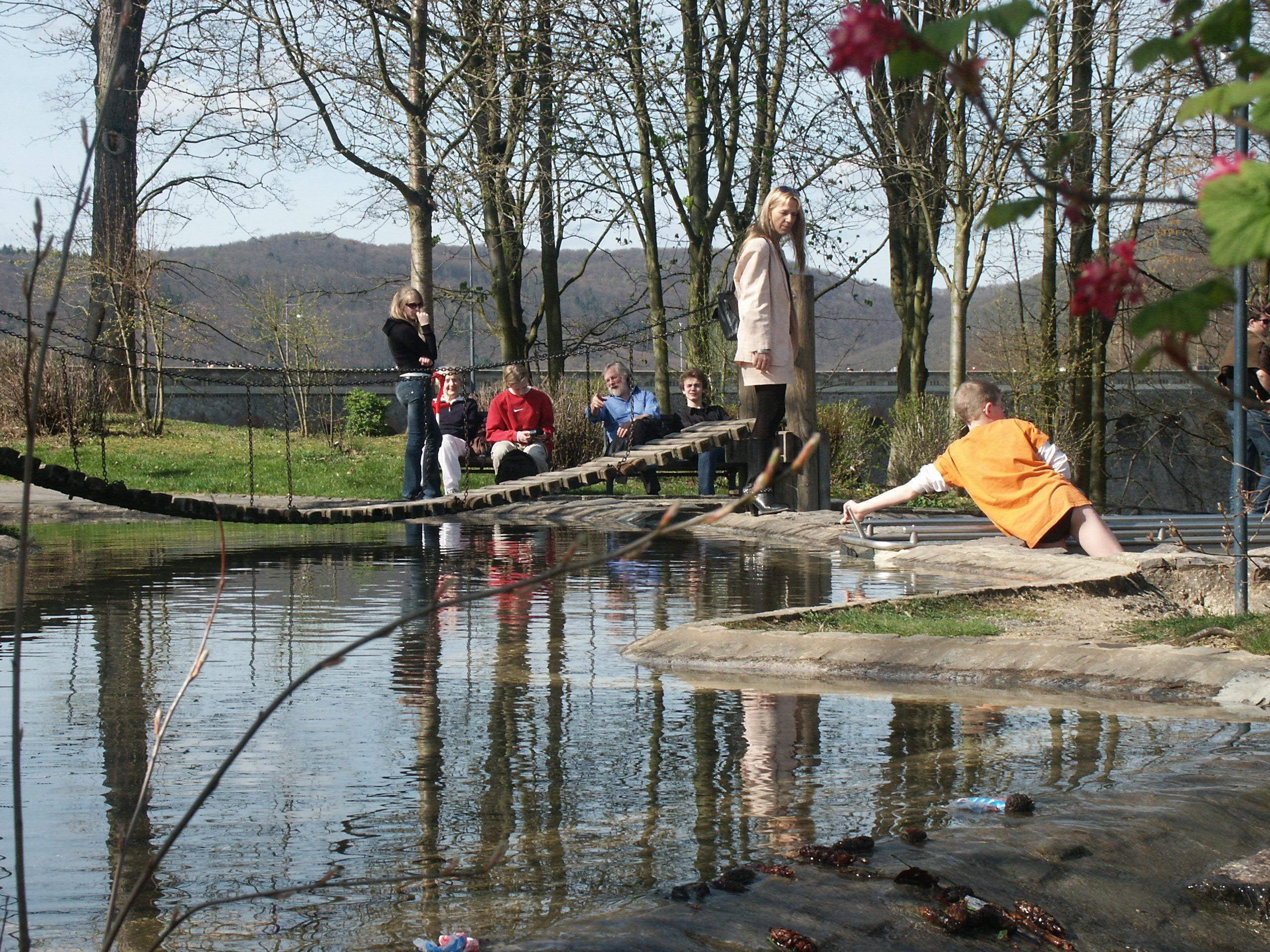 Ein Publikumsmagnet: Der Aquapark an der Sperrmauer. (Archivfoto: HNA)
