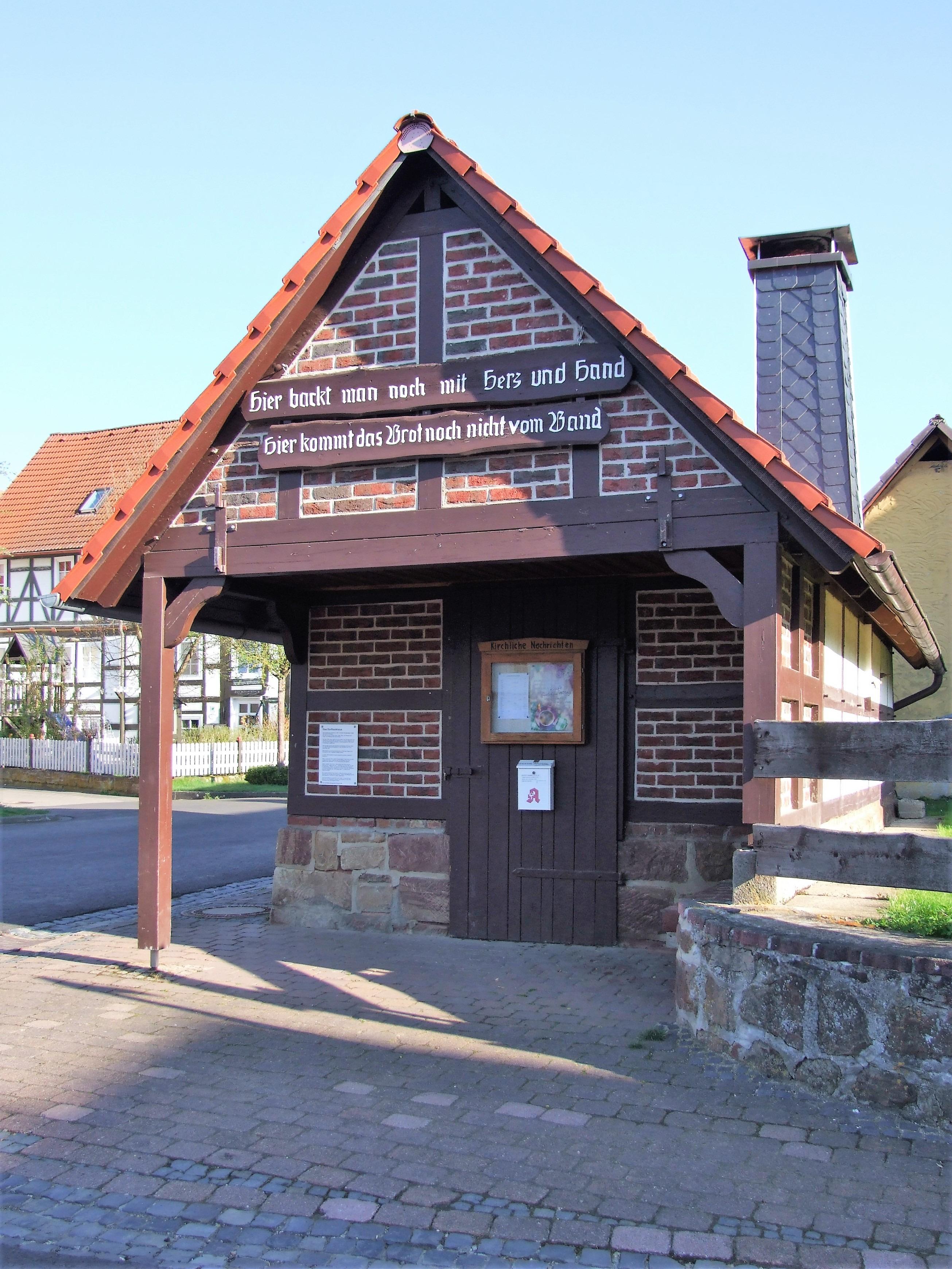 Das Backhaus in der Ortsmitte. (Foto: Uli Klein)
