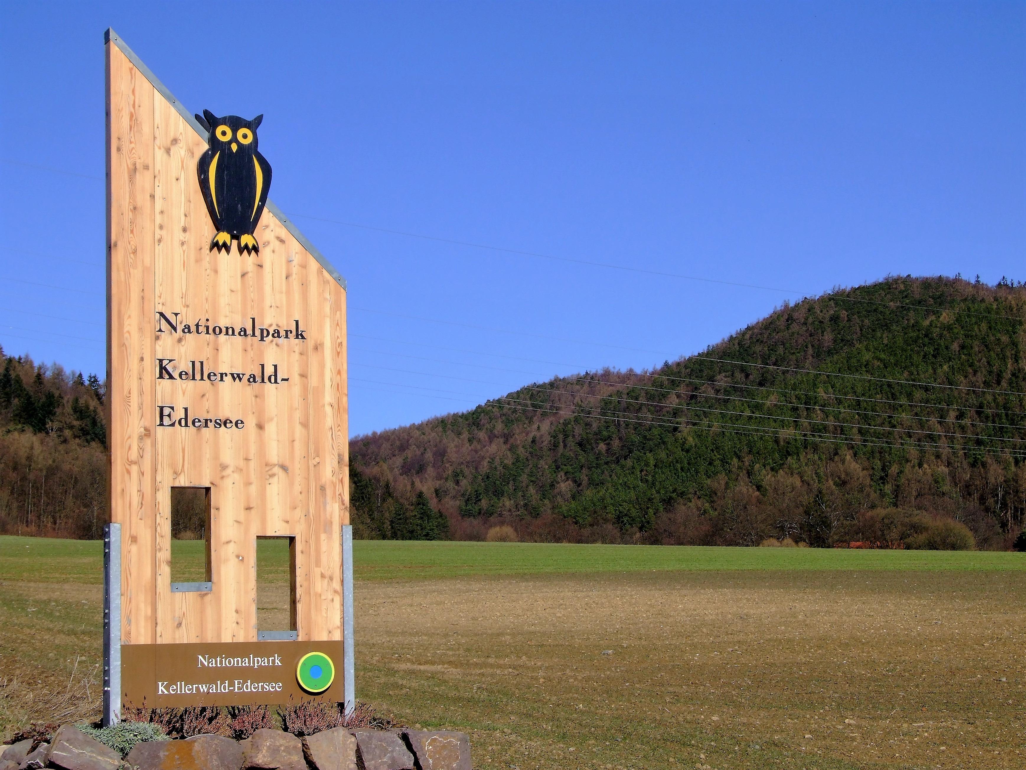 Nationalparktor am Ortsrand von Kleinern. (Foto: Uli Klein)