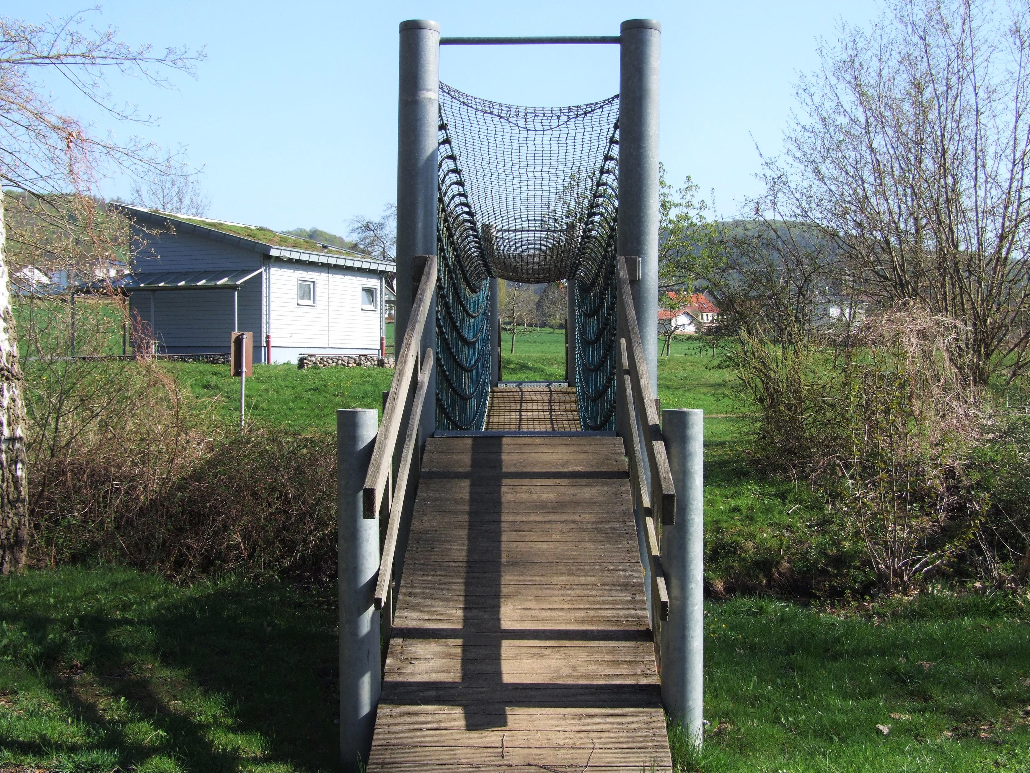 Hängebrücke in der Freizeitanlage Spicke. (Foto: Uli Klein)