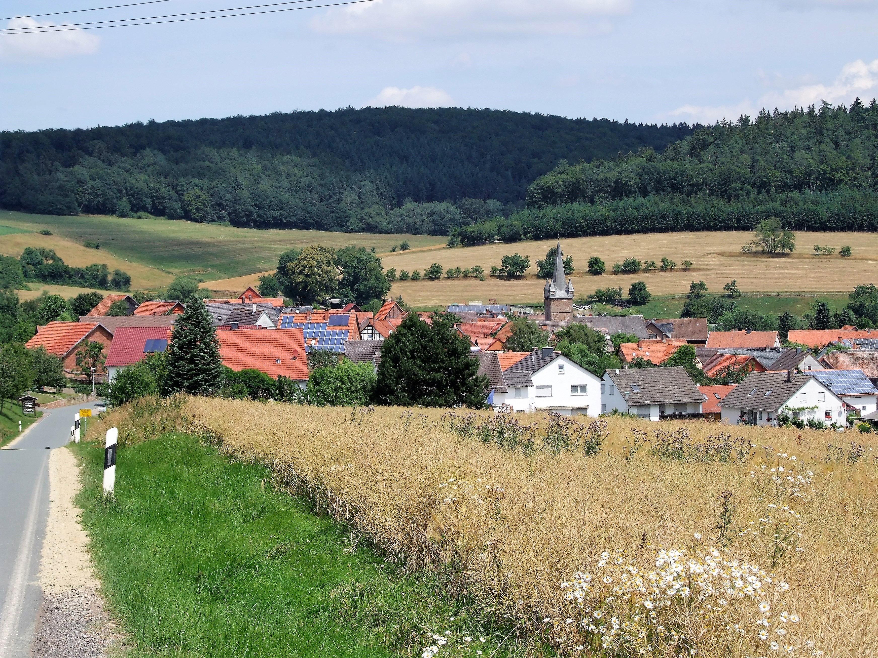 Dorfansicht aus südlicher Richtung. (Foto: Uli Klein)