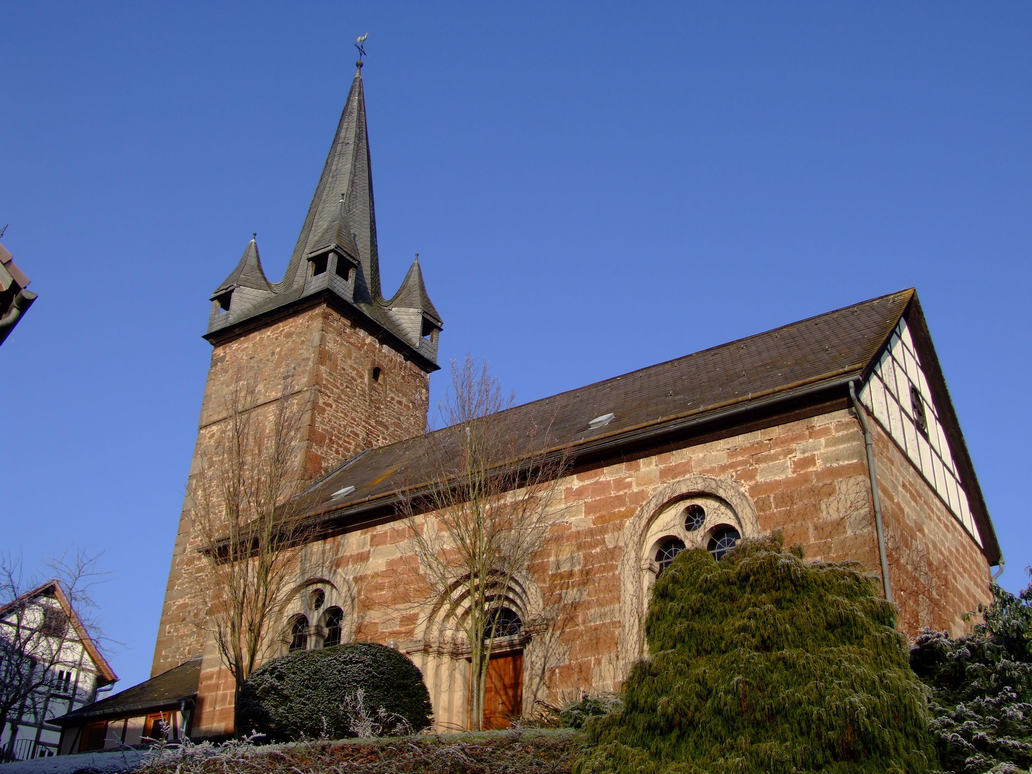 Die evangelische Kirche im Winter. (Foto: Uli Klein)