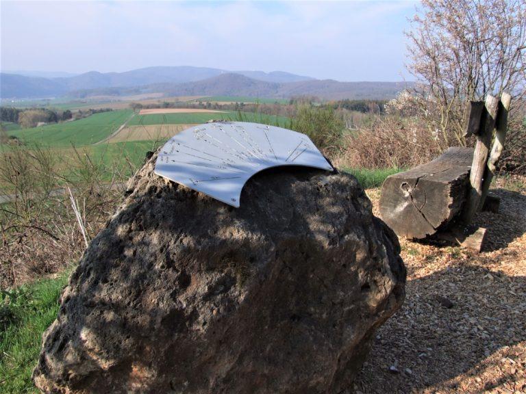 Blick vom Sengelsberg in das Edertal und in die Nationalparkregion. (Foto: Uli Klein)